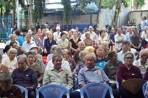 Hội người cao tuổi tố nguyên lãnh đạo thôn vay tiền của hội nhiều năm không trả?