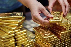 Giá vàng giảm mạnh, vàng nhẫn mất trên 200.000 đồng/lượng