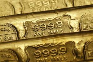 Giá vàng thế giới chạm 'đáy' của bốn tháng