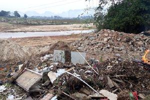 Quỳ Hợp (Nghệ An): Rác thải 'tấn công' sông Dinh