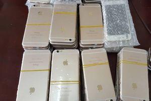 Bắt giữ hàng trăm chiếc iPhone, Samsung nhập lậu