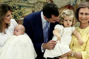 Sự cố giữa 2 người phụ nữ quyền lực trọng Hoàng gia Tây Ban Nha