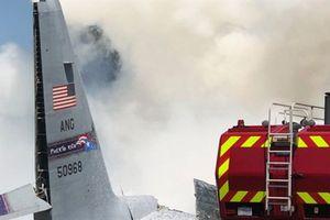 Clip: C-130 Hercules đâm thẳng xuống cao tốc