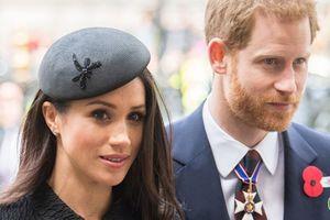 Học vợ sắp cưới, hoàng tử Harry chi 250 triệu tới phòng gym