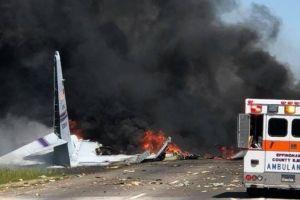Hoa Kỳ: Rơi máy bay quân sự, 9 người chết; học sinh lớp 2 bị cô giáo bắt cọ sàn