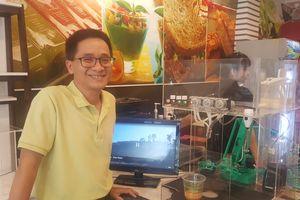 Độc đáo 'cô gái' robot pha chế cà phê đầu tiên tại thành phố Hồ Chí Minh