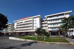Quảng Ngãi: Gắn biển công trình đạt chất lượng cao cho Bệnh viện Sản- Nhi