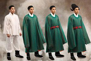 Sách 'Dệt nên triều đại' tái hiện trang phục vua quan Đại Việt