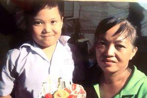 Bé trai mất tích khi đi làm cùng mẹ: Sợ đi học...