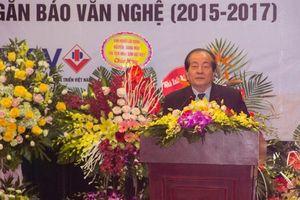 Nguyễn Trường giành giải Nhất cuộc thi Truyện ngắn Báo Văn nghệ