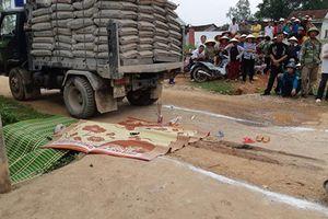 Thương tâm bé gái 3 tuổi tử vong dưới bánh xe tải
