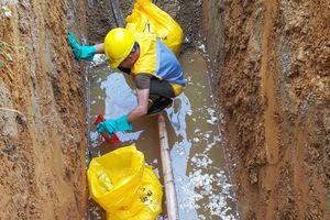 Dân có giếng nhiễm dầu ở Hà Tĩnh yêu cầu được khám sức khỏe