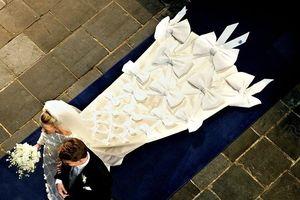 Những bộ váy cưới Hoàng gia mà cô gái nào cũng ao ước khoác lên mình