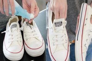 Giày trắng đi cả năm vẫn như mới nếu biết 6 bí kíp vừa rẻ tiền lại nhanh gọn này