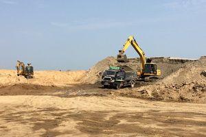TP. Thanh Hóa: Bãi tập kết cát hết hạn, vẫn ngang nhiên hoạt động.
