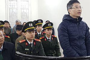 Tổ chức đưa Giang Kim Đạt trốn ra nước ngoài, 3 bị cáo lãnh án