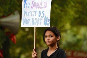 Thiếu nữ 16 tuổi bị hiếp dâm, thiêu sống ở Ấn Độ
