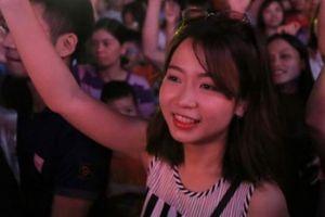 Giới trẻ Hà thành 'cháy' hết mình tại tiệc âm nhạc tưởng nhớ Avicii