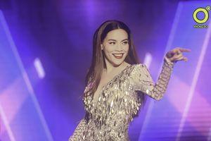 Hồ Ngọc Hà và dàn sao Việt 'thổi bay căng thẳng' cùng hàng ngàn khán giả Cần Thơ