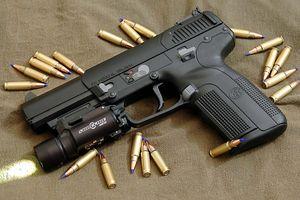 Tóm gọn kẻ côn đồ nổ súng thị uy, dọa giết người