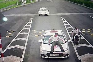 Tin tức mới nhất vụ tài xế taxi đâm trực diện nhân viên sân bay Nội Bài