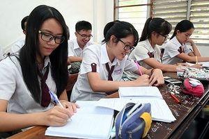 Chương trình giáo dục phổ thông mới vẫn 'nặng'