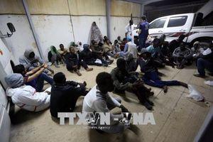 Hàng trăm người di cư được cứu ngoài khơi bờ biển Tây Libya