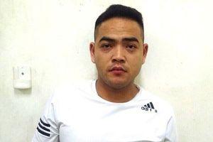 Bắt khẩn cấp tài xế taxi tông nhân viên bảo vệ sân bay Nội Bài lên nắp capo