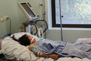 Người phụ nữ 24 tuổi bị virus 'ăn não' nguy kịch