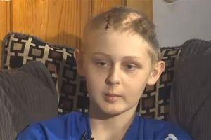 Cậu bé 13 tuổi tỉnh lại sau khi cha mẹ ký đơn hiến tạng