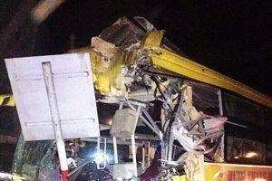 Tai nạn lúc nửa đêm, 14 người thương vong