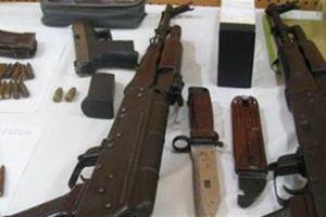 Trung úy đột nhập kho trộm súng bán trăm triệu: Bắt thêm
