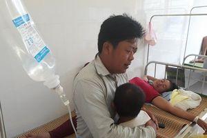 Sơn La: 141 người cấp cứu sau bữa cỗ cưới khiến bệnh viện quá tải