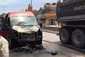 Xe khách hạng sang va chạm với xe máy, 2 vợ chồng tử vong