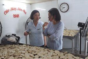 TP.HCM: Hai cơ sở sản xuất giò chả có dấu hiệu vi phạm an toàn thực phẩm