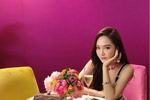 Jessica về 'chung nhà' với loạt sao hạng A của Hollywood