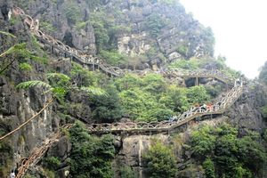 Sở Du lịch Ninh Bình đề nghị tháo dỡ cầu đâm xuyên lõi di sản Tràng An