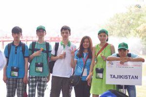Thí sinh tham dự Olympic Vật lý Châu Á 2018 thích thú khám phá Hà Nội