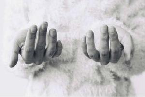 Thói quen cắn móng tay có thể dẫn đến nhiễm trùng chết người