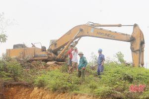 Can Lộc 'tuyên chiến' với nạn khai thác đất trái phép