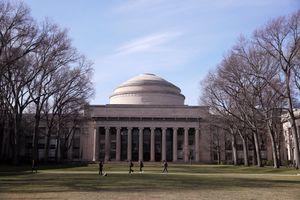 Nghiên cứu sinh người Việt tự tử ở MIT