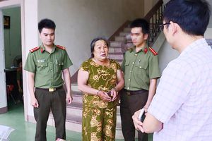 Người đàn bà U60 bị bắt vì làm giả con dấu của công an
