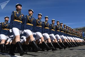 Chiêm ngưỡng những bóng hồng quyến rũ và đầy kiêu hãnh trong lễ diễu binh Nga