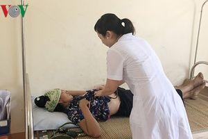 Hơn 200 người nghi bị ngộ độc sau khi ăn cưới ở Sơn La, cô dâu chú rể cũng nhập viện