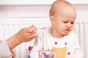 Cùng chuyên gia dinh dưỡng tìm hiểu nguyên nhân trẻ 1 tuổi biếng ăn