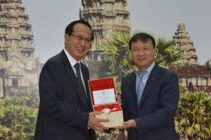 Việt Nam – Campuchia tăng cường quan hệ hợp tác thương mại biên giới