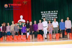 Quỹ Thương hiệu Việt chia sẻ với người dân có hoàn cảnh khó khăn tại Ninh Bình