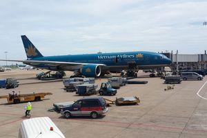 'Bán cơm' trên máy bay đem về doanh thu gần 500 tỉ đồng