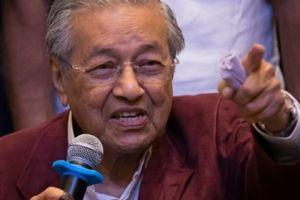 Bầu cử tại Malaysia: Ông Mahathir Mohamad 92 tuổi trở thành thủ tướng già nhất thế giới