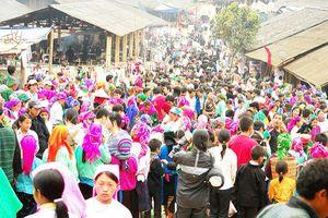 Điểm đến cuối tuần: Phiên chợ 'PHONG LƯU' nhất Việt Nam, mỗi năm chỉ họp một lần ở Hà Giang